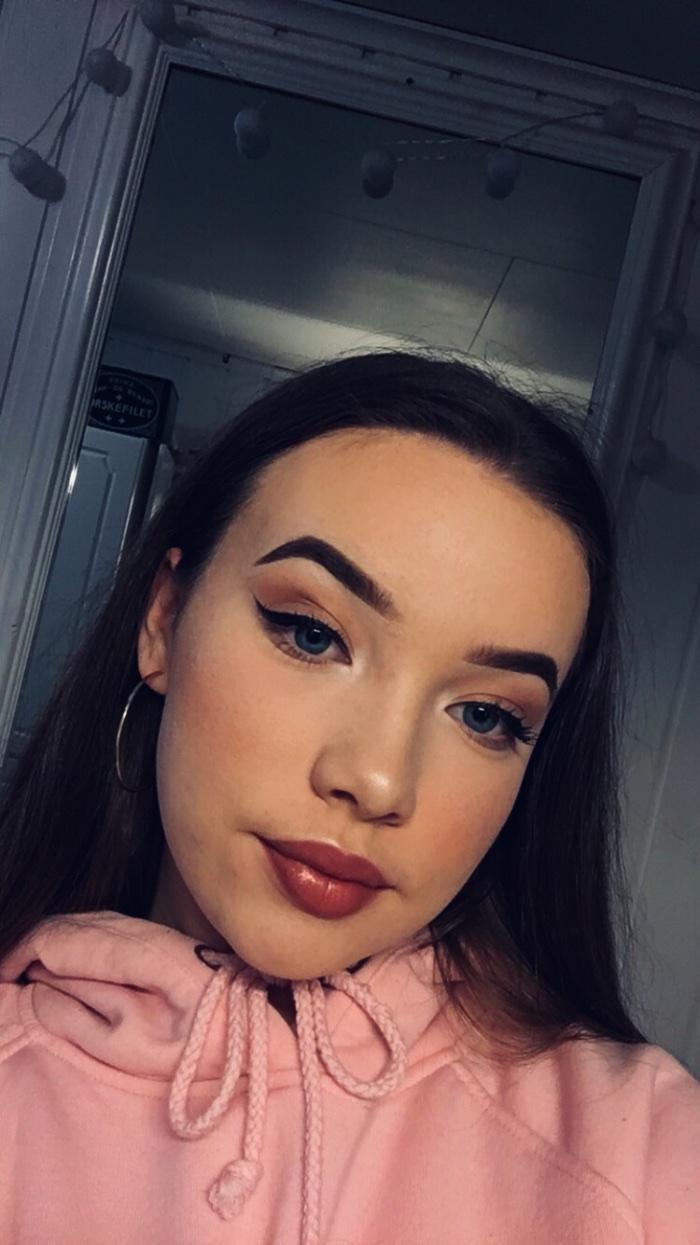 dating min knuse Makeover ansikts har grindr ødelagt dating